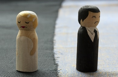 wooden-divorce-figures-extra-small
